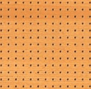 Falso techo de madera con perforación para acústica en Madrid