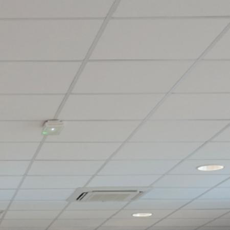 Falso techo Tonga Eurocoustic canto y perfilería